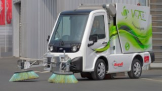 Val'Air hybrid sweeper with Linde drive technology